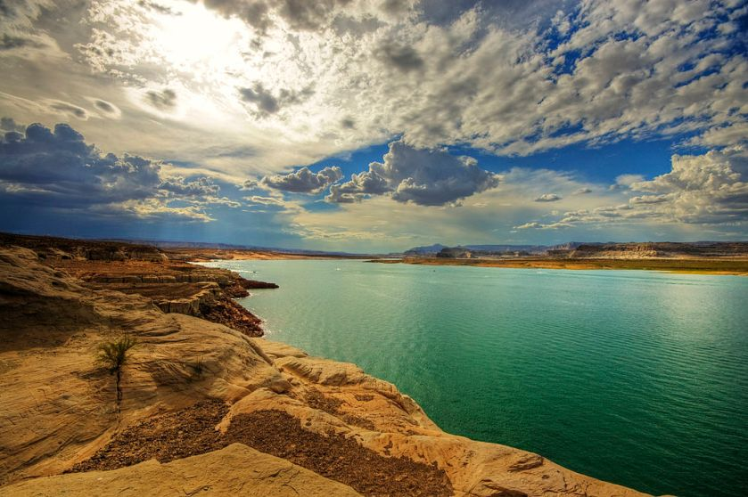 Source: http://en.wikipedia.org/wiki/Lake_Powell#mediaviewer/File:Lake_Powell_(2217173388).jpg