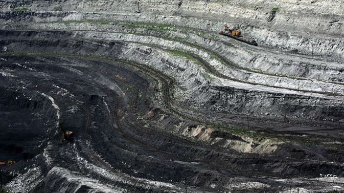 gettyimages-coal-pit-china