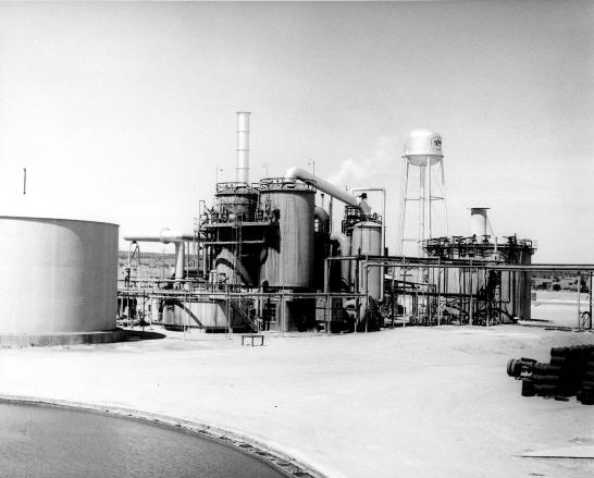 Sulfuric_acid_plant_at_the_Kerr_McGee_Uranium_mill